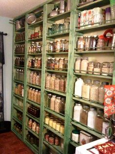 open pantry - jars with ingredients - curtain? Canning Jar Storage, Home Canning, Pantry Storage, Canning Jars, Kitchen Storage, Food Storage, Storage Room, Pantry Closet, Kitchen Pantry