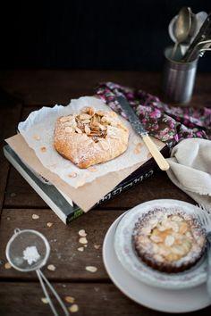 Pear and Almond Frangipane | Thekrookedspoon.com