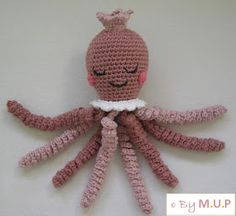 MyUpperPenthouse: Prinsesse 8-arm - hæklet sprutte Crochet Animals, Crochet Toys, Crochet Baby, Knit Crochet, Baby Octopus, Baby Songs, Baby Born, Chrochet, Projects To Try