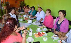 Periodismo sin Censura: Eduardo Espinosa Abuxapqui se reúne con maestras d...