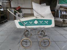 KOČÁREK  -  LIBERTA  -  STARÝ v takovém jsem se vozila jako mimino (jen byl čisty)