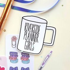 I like to make a different coffee cup die cut for each @riversideplannergirls meetup. For this meetup I went with a cute and simple design  Each girl received this die cut in their swag bag!      #riversideplannergirls #planner #plannercommunity #plannergirl #diecuts #organizedpotato #raedunn #coffee #coffeecup #plannermeetup