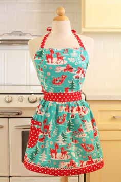 Supper cute!!!!! Retro Christmas Apron with Deer by Boojiboo on Etsy