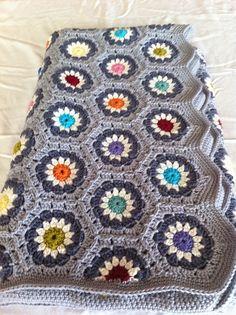 Ravelry: natml's Secret grey!, based on rosa pacholleck's grey hexagons free pattern