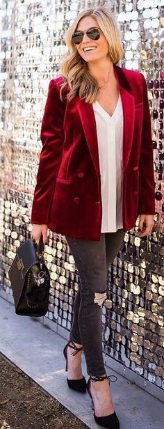 40 charming outfit ideas for winter, this is from Winter 2016 but the ideas definitely work for your 2017 Fall/Winter wardrobe style.