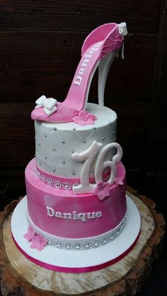 Shoe Box Cake, Shoe Cakes, Novelty Cakes, Halloween Cakes, Cake Toppings, Fondant, Mini Cakes, Cakes And More, Cupcake Cookies