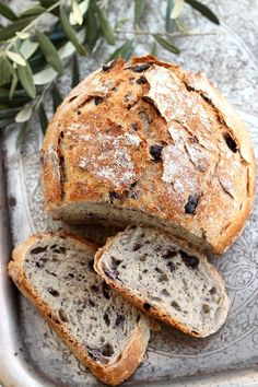 How to Make Quick, Healthy, Homemade Bread Dough with Just Five Ingredients: Whey & Whole Wheat Bread Recipe Rustic Whole Wheat Bread Recipe, Rustic Bread, Olive Bread Recipe Easy, Herb Bread, Bread Bun, Bread And Pastries, Pain Aux Olives, Artisan Bread, Bread Baking