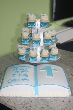 First Communion cake and cupcakes