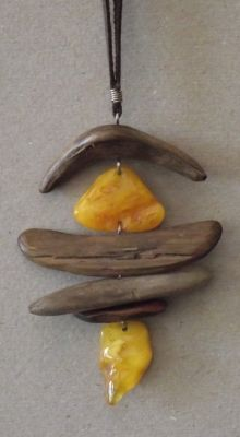 Baltic Amber/Wood Necklace by Ieva Driftwood Jewelry, Driftwood Crafts, Wooden Jewelry, Leather Jewelry, Wire Jewelry, Pendant Jewelry, Jewelry Crafts, Jewelry Art, Handmade Jewelry
