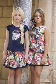 My brother Josh and I don't mind mom getting us all prettied up but matching… Little Girl Fashion, Little Girl Dresses, Girls Dresses, Preteen Fashion, Kids Fashion, Kids Girls, Cute Girls, Moda Kids, Jupe Short
