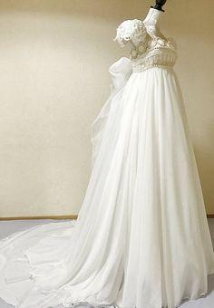 Old Dresses, Pretty Dresses, Vintage Dresses, Vintage Outfits, Sailor Moon Dress, Sailor Moon Wedding, Mode Lolita, Fantasy Gowns, Dream Dress