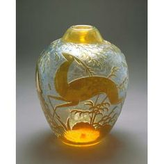 Daum Frères, Vase, c. 1925-1930, glass, Dallas Museum of Art, the Patsy Lacy Griffith Collection, bequest of Patsy Lacy Griffith