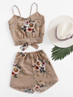 ¡Consigue este tipo de top corto de SheIn ahora! Haz clic para ver los detalles. Envíos gratis a toda España. Random Split Self Tie Back Crop Cami Top With Shorts: Shorts Khaki Multi Polyester Floral Print Strap V neck Sleeveless Bow Cute Sexy Vacation Fabric has no stretch Summer Two-piece Outfits. (top corto, crop tops, crop top, croptops, croptop, top crop, tops crops, cropped, top bailarina, corto, camisola corta, crop, cropped t-shirt, kurzes top, top corto, top court, top corto…