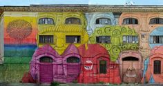 """Blu, street artist italiano di fama internazionale, ha completato  un gigantesco murales  sulla facciata dell'ex caserma dell'Aeronautica Militare di Roma, in via del Porto Fluviale. L'edificio è stato occupato nel 2003 e al suo interno vivono circa 450 persone. """"Chiedere a un artista co"""