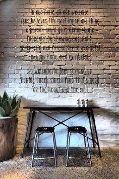 Sydney / Zeus restaurant grec / Можно использовать идею надписей на кирпичах в стиле фильма - кривой детский почерк разными цветами (может быть цитаты)