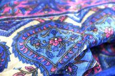 Le foulard chouchou, le chéri de cette collection de foulard en soie rare, luxueux et ultra léger.