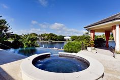 25 Bay Ridge Rd, Key Largo, FL 33037 -  $8,500,000 Luxury Home and House Property For Sale Image