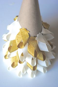 Easy Christmas Craft Ideas: Ribbon Trees.  Could also do in burlap with red burlap mixed in.