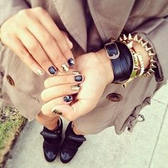 black and gold arm candy with matching nails ^^ #armcandy