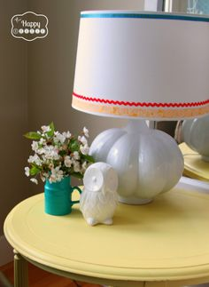 Create a spring fresh living room with vintage finds, upcycled pieces, chalk painted furniture and DIY at thehappyhousie