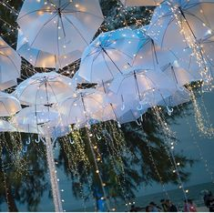 Surreal Ideas to Add White Umbrellas to your Wedding Decor - Regenschirm Beach Wedding Reception, Wedding Events, Beach Weddings, Indian Weddings, Wedding Receptions, Wedding Band, Wedding Ceremony, Umbrella Decorations, Wedding Decorations