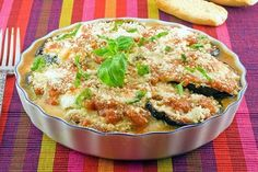 Eat classic Italian with Mario Batali's Eggplant Parmigianarecipe from Food Network: thick, breaded eggplant with melted mozzarella cheese and tomato sauce. Yield : Makes 4 servings . Healthy Menu, Healthy Baking, Healthy Recipes, Healthy Nutrition, Ww Recipes, Cookbook Recipes, Cooking Recipes, Healthy Eggplant, Eggplant Recipes