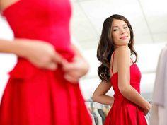Valitse juhlavaatteeseen sopiva alusasu, joka ei näy mutta auttaa vaatetta istumaan kauniisti.
