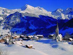Kleinwalsertal - skigebied met 122 km piste en populaire zomervakantie regio Ski Austria, Graz Austria, Salzburg Austria, Europe Holidays, Ski Holidays, Travel Log, Winter Travel, Atlantis Island, The Places Youll Go