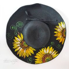 Hand Painted Sunflower Hat, Hanpainted Hat, Sunflower Sunhat, Hanpainted Floral Hat, Sunflower Summe Painted Hats, Hand Painted, Felt Cowboy Hats, Hat Decoration, Fall Hats, Hat Crafts, Diy Hat, Summer Hats, Fabric Painting