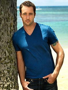 Hawaii – Steve McGarrett - New Sites Celebrities Before And After, Celebrities Then And Now, Smoking Celebrities, Hollywood Celebrities, Photoshop Celebrities, Alex O'loughlin, Celebs Without Makeup, Hawaii Five 0, Steve Mc