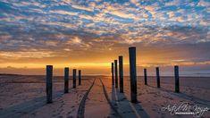 Met dit rijtje van het Palendorp bij Petten wil ik graag... twee nieuwe ideeën ... aan jullie voorleggen.Het rijtje van Boeksz wordt veel… New York Skyline, Celestial, Sunset, Travel, Outdoor, Instagram, Outdoors, Viajes, Sunsets