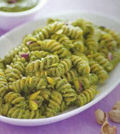 Conchiglie con cavolfiore Ricetta - Ricette di Cucina Dolci e Salate Italian Cooking, Pesto, Spaghetti, Healthy, Ethnic Recipes, Food, Salsa, Contouring, Vegetarian