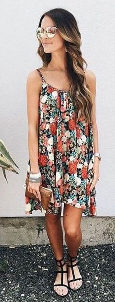 Stunning 60 Trending Short Outfits Ideas to Copy This Summer from https://www.fashionetter.com/2017/05/18/trending-short-outfits-ideas-copy-summer/
