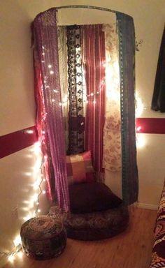 Purposeful educated zen meditation room Join the Beta Meditation Raumdekor, Meditation Room Decor, Yoga Room Decor, Meditation Quotes, Prayer Closet, Prayer Room, Prayer Corner, Corner Space, Zen Space