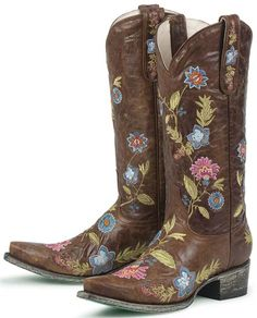 Lane Boots - normally I'm an Ariat Fat Baby boot wearing girl - but these are !!!!!