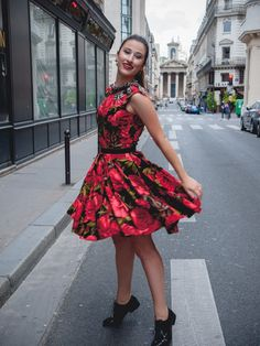 Flared dress with rose pattern