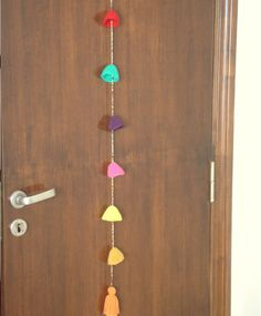 Colgante Crochet Tira de Sombreritos Multicolor, $150 en https://ofeliafeliz.com.ar