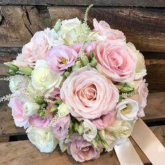 """974 Likes, 9 Comments - Meijer Roses (@meijerroses) on Instagram: """"It's Sweet Avalanche kind of day. Bouquet by @flowerdesignlichfield . . . #meijerroses #wedding…"""""""