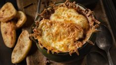 Sýta francúzska cibuľačka   Recepty.sk Lasagna, Cauliflower, Pork, Meat, Vegetables, Ethnic Recipes, Desserts, Kale Stir Fry, Tailgate Desserts