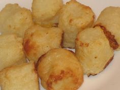 Cauli-tots or, cauliflower tater tots Healthy Low Carb Recipes, Paleo Recipes, Great Recipes, Healthy Snacks, Cooking Recipes, Favorite Recipes, Diabetic Meals, Healthy Cooking, Recipe Ideas