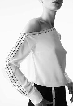 Yigal Azrouël Pre-Fall 2017 Collection Photos - Vogue