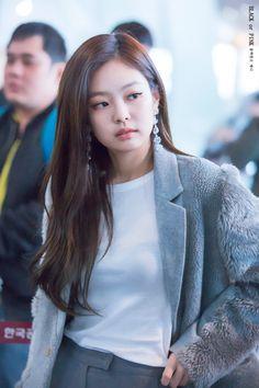 Good morning blinkeu happy week end . Kim Jennie, Blackpink Fashion, Korean Fashion, Girls Generation, South Korean Girls, Korean Girl Groups, Happy Week End, Kim Jisoo, Black Pink Kpop