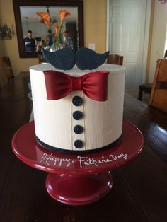 Mustache Father's Day cake