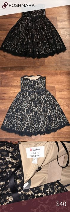 Black and tan formal sleeveless dress Beautiful .. never worn.. perfect for homecoming, prom or a dance ... Neiman Marcus Neiman Marcus Dresses Prom