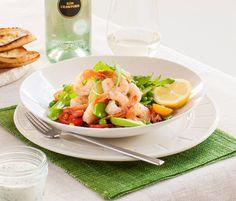 Prawn salad with bacon, peas & lemon herb dressing Chef Recipes, Fish Recipes, Dinner Recipes, Cooking Recipes, Dinner Ideas, Prawn Salad, Bacon Salad, Lemon Herb, Salad