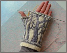 forest mittens--oh really pretty pattern