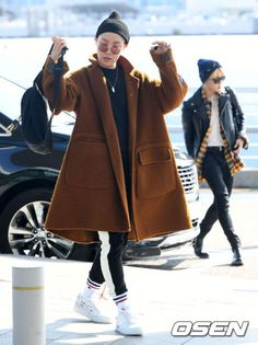 J-Hope Hobi BTS Bangtan airport fashion AMAs 2017