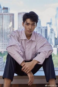 Read from the story Advance Bravely (Shi Bu Ke Dang - 势不可挡) by (Anh Nguyen) with reads. Handsome Actors, Handsome Boys, Advance Bravely, Hu Ge, Drama, Chinese Man, Most Beautiful Faces, Wattpad, China