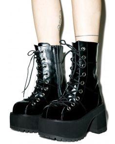Demonia Under Pressure Platform Boots Grunge Look, Hipster Grunge, Neo Grunge, Style Grunge, Soft Grunge, Hipster Tops, 90s Style, Grunge Girl, Black Platform Boots