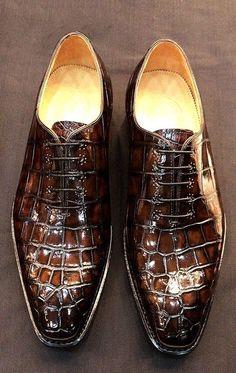 Men's Classic Alligator Leather Dress Shoes Goodyear Welt Mens Shoes Boots, Leather Dress Shoes, Suede Shoes, Shoe Boots, Boots Women, Mens Fashion Shoes, Fashion Moda, Emo Fashion, Hot Shoes